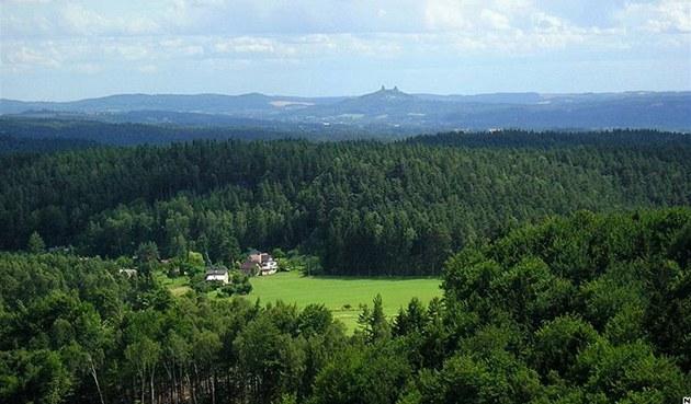�eský ráj. Výhled z hradu Frýd�tejn