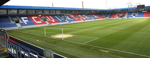 Zrekonstruovaný fotbalový stadion ve �truncových sadech