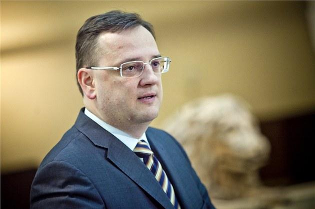 Premiér Petr Ne�as hovo�í o p�j�ce ve vý�i 89 miliard korun na záchranu