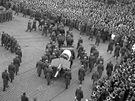 Poh�eb prezidenta Klementa Gottwalda - 19. 3.1953. Lafeta s rakv�  na M�stku.