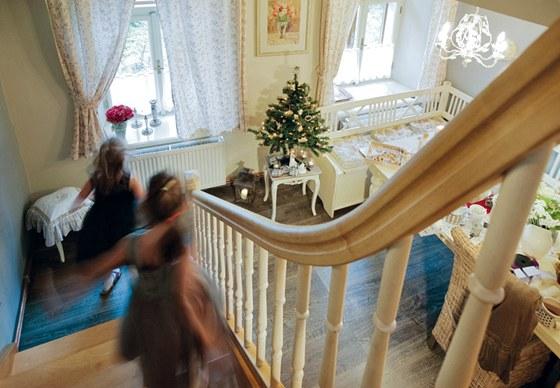 Rustikální styl a sváteční noblesa se dobře doplňují.
