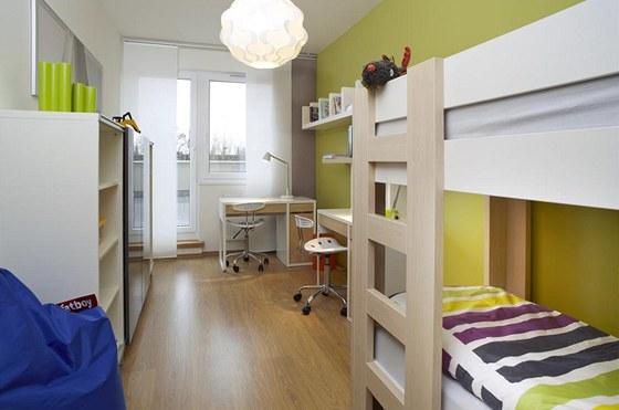 Dětský pokoj je malý, ale vejde se do něj vše, co Zdeněk (8) a Tomáš (4)