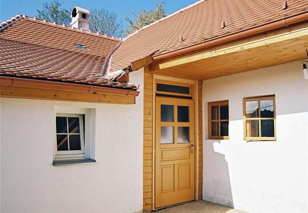 Pohled na vnit�ní trakt selského hlin�ného domu t�sn� po rekonstrukci. Zdroj: