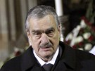 Karel Schwarzenberg po projevu ke smute�n�m host�m. (23. prosince 2011)