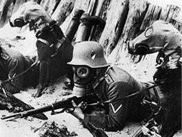 Chemická válka a hromady mrtvých udělaly s bratříčkováním na frontě konec