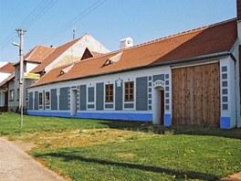 Dům bratří Úprků v Kněždubu, Zdroj: www.mujdum.cz.
