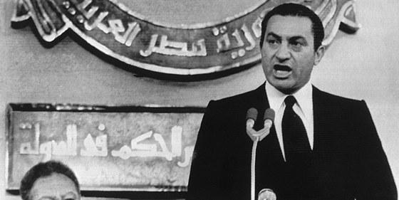 Energický a cílevědomý. Husní Mubarak při projevu v roce 1981, kdy se chopil