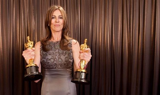 Hollywoodská režisérka Kathryn Bigelowová se dvěma Oscary za film Smrt čeká