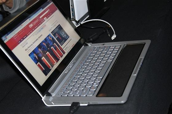 Prototyp notebooku Nikiski.