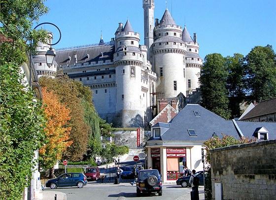 Hrad dnes houfně navštěvují turisté, ale i filmaři.