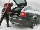 Následky silného sněžení v Deštném v Orlických horách. (5. ledna 2012)