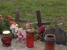 Místo tragické nehody autobusu v Březhradě na podzim 2004, více než rok poté.