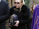 Dagmar Havlov� ulo�ila urnu s ostatky V�clava Havla do rodinn� hrobky na pra�sk�ch Vinohradech (4. ledna)