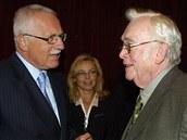 Prezident Václav Klaus a Josef Škvorecký v náchodském hotelu Beránek při