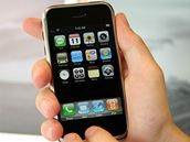 Prvn� generace telefonu iPhone od Apple