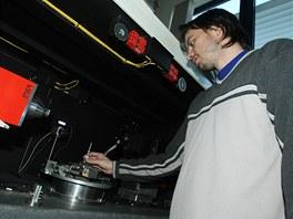 Plzeňští vědci ve nové laboratoři využívají například speciální počítačový