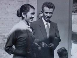 Josef Hejzlar s manželkou v dokumentu jeho vnučky Elišky Junkové