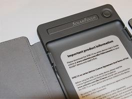 Pouzdro na Kindle - SolarKindle, verze se solárním panelem bez vloženého Kindlu.