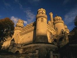 Opevněné hradby mají kolosální měřítko.