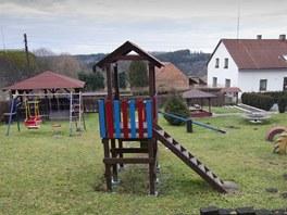 Dětské hřiště v obci Libel, která má 109 obyvatel.