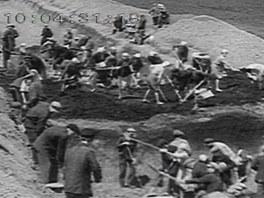 Pro ženijní zodolnění obrany byly nasazeny tisíce sovětských civilistů.