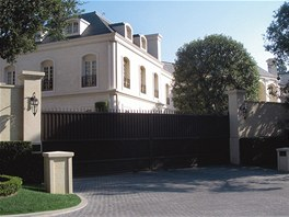 Rodinné sídlo dynastie Spellingů je větší než Bílý dům.