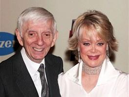 Již zesnulý televizní magnát Aaron Spelling se svou ženou Carole Gene Marerovou