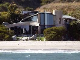 Dům od architekta Johna Lautnera si v roce 2001 pořídil herecký pár Courteney