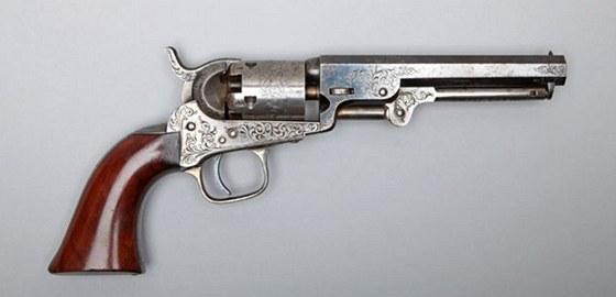 London Model 1849 Pocket Revolver. V roce 1852 otevřel Colt továrnu v Londýně.