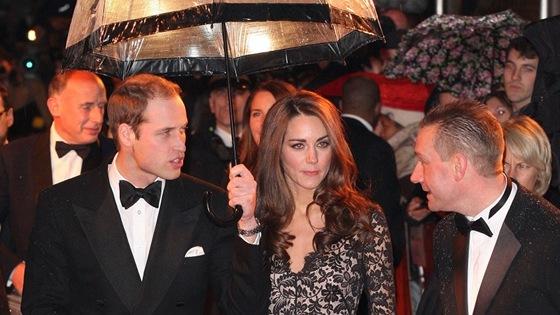 William a Kate, vévoda a vévodkyně z Cambridge, na premiéře Spielbergova filmu