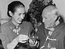 Pablo Picasso s jednou ze svých žen Francois na oslavě svým sedmdesátin v roce