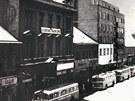 Zahájení provozu trolejbusů v Pardubicích. Šest vozů se seřadilo na tehdejší