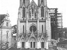 Katedrála svatého Václava s přistavěným lešením.