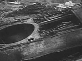 Zničený tank T-34 s utrženou věží