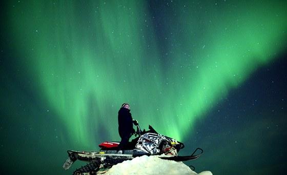 Fotografie polární záře vyvolané magnetickou bouří ze 24. ledna pořízená v