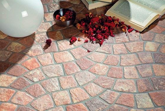 Různé odstíny dlažby Calzada zajišťují dokonale přirozený vzhled. K dostání