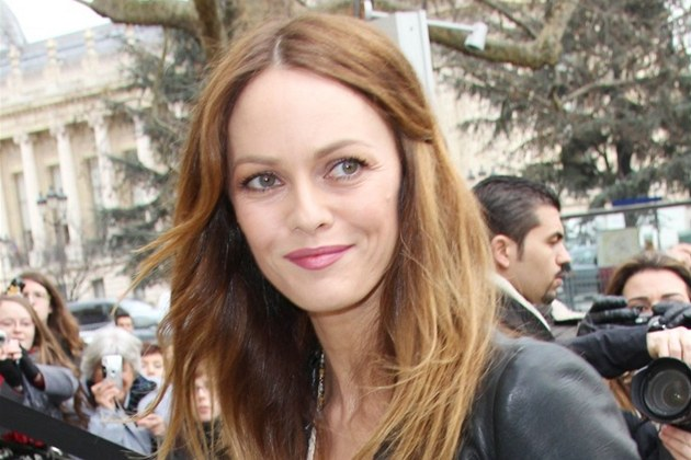 Vanessa Paradis (Pa&#237;, 24. ledna 2012)