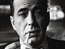 Humphrey Bogart se stal ikonou amerického filmu. Na jeho pohřbu se sešla