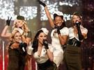 Spice Girls vystoupili b�hem p�ehl�dky zna�ky Victoria's Secret v Hollywoodu
