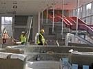 Dělníci s úpravami interiéru pardubického akvaparku už pomalu finišují.