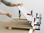 Na kilogram váhy byste měli použít alespoň 50 cm čtverečních pásky.