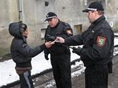 Kontroln� akce v r�mci nulov� tolerance s n�kter�mi obyvateli probl�mov�