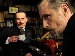 Michael Fassbender a Viggo Mortensen ve filmu Nebezpečná metoda