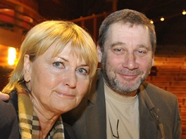 Here�ka Eli�ka Balzerov� a �editel pra�sk�ho Divadla na Fidlova�ce Tom� T�pfer