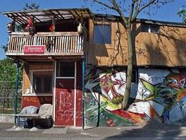 Zahradní domek Osmana Kalina poblíž Checkpoint Charlie v Berlíně