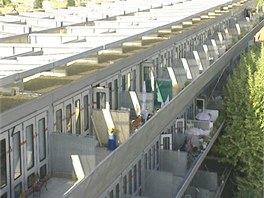 Na jižní stranu směřují terasy k bytům, každá má minimálně 15 metrů čtverečních.