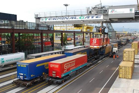 Nový vlak spojuje průmyslové zóny mezi Ostravou a Veronou