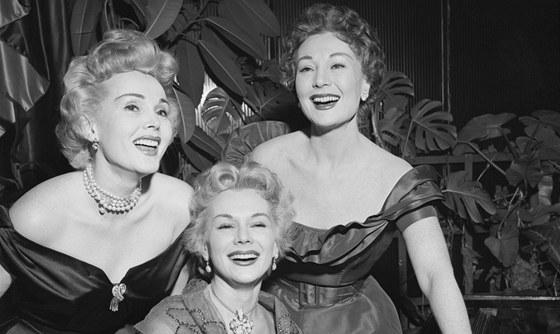 Sestry Gaborovy: Zsa Zsa, Eva a Magda. V dobovém tisku se o nich psalo jako o