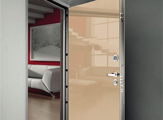 Italové si potrpí na design. Ukázka dveří firmy Okey z veletrhu Madeexpo.