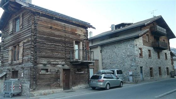 Kontrast staré a moderní architektury